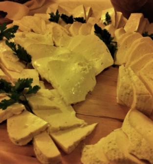 Ser podpuszczkowy z pieprzem ziołowym